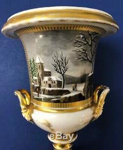Paire De Antique Mi-19c Impériale Russe Porcelaine Vases / Urnes