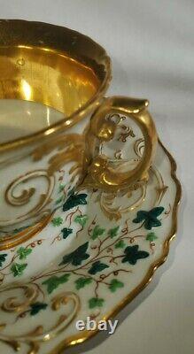 Russie Coupe Impériale Russe De Porcelaine Et Soucoupe 1825-1855
